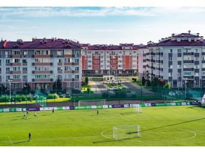 Квартал Русский дом Бархатные сезоны Сочи  спортивные площадки, футбольное поле